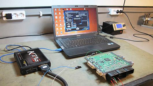 alientech-ktag_in_ziptuning_workshop